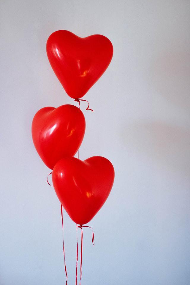 3 בלוני לב בצבע אדום